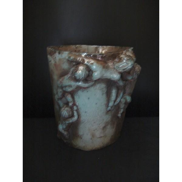 Vase aux puttis