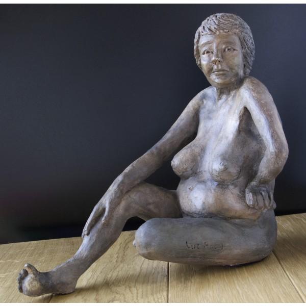 Sculpture en terre cuite et engobe, enfumage - Caroline 1